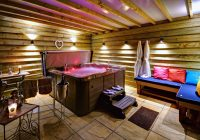 Luxurious hot tubs in five of our Barns